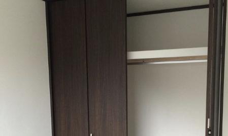 クローゼットの枕棚の画像