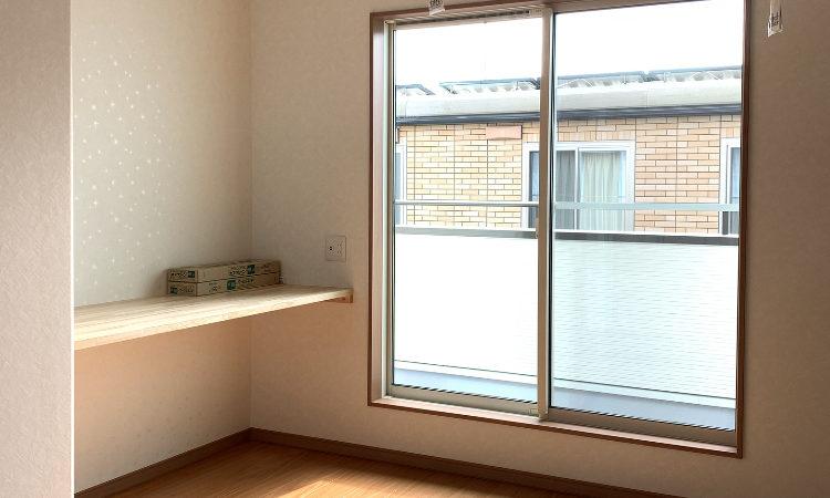 32坪4LDKの家の夫婦の寝室南面画像