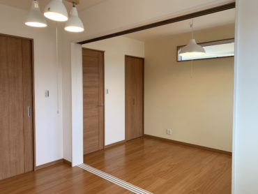32坪4LDKの家の子供室連結|間仕切り開放画像