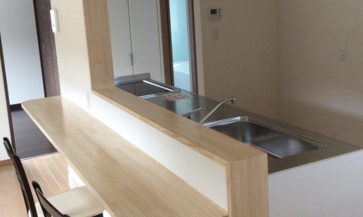 牧之原市の32坪2LDKの家の対面キッチンの画像