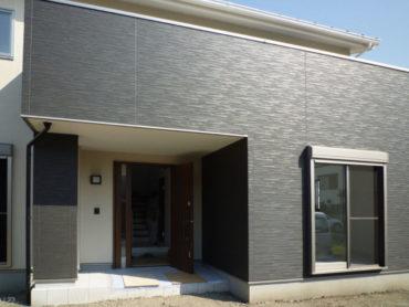 焼津市の注文住宅|35坪4LDKルーフバルコニーのある家の外観アップ