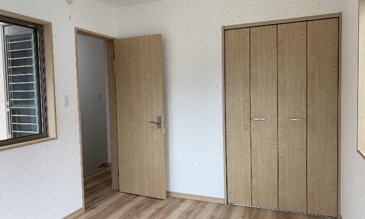 静岡市駿河区の28坪4LDK注文住宅の洋室の画像