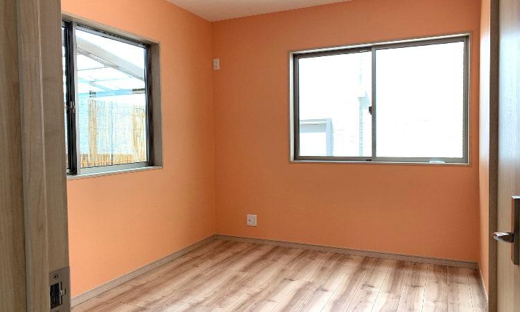 静岡市駿河区の28坪4LDK注文住宅の2階寝室の内観画像